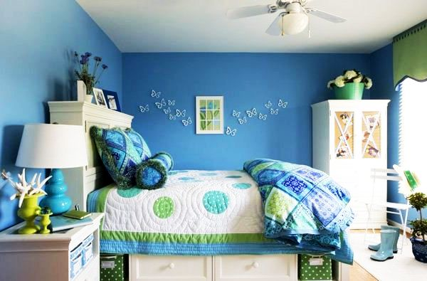 Blue green girls room