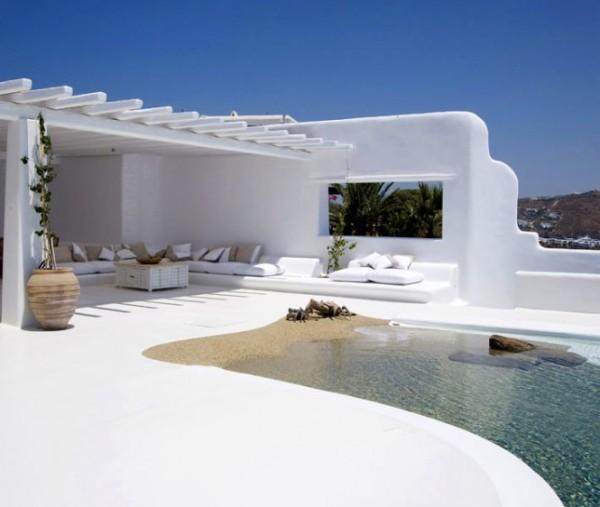 greek-villa-pool-665x562