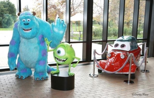 pixar-characters-statues-in-hallway1